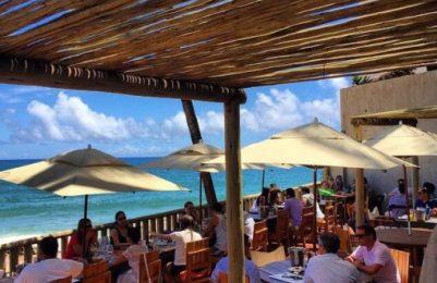 Blue Praia Bar, para curtir o mar e a galera