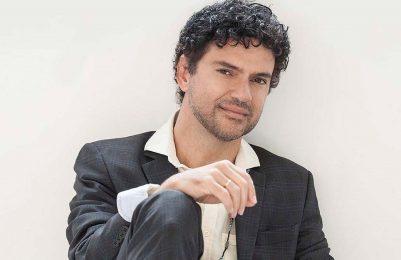 Jorge Vercillo apresenta show Nas Minhas Mãos na Área Verde do Othon