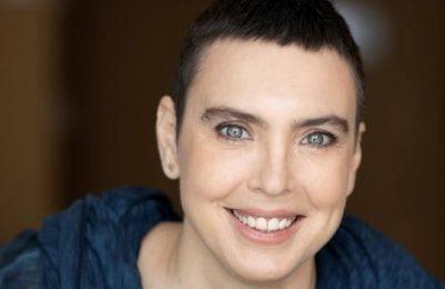 Adriana Calcanhotto relembra grandes sucessosda carreira em show na Concha Acústica