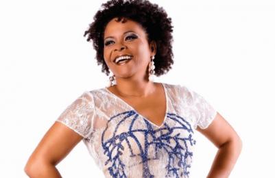 Márcia Short celebra o Dia do Samba com show gratuito no Pelô